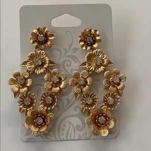 🔥New Listing🔥 Hollywood Quality Earrings